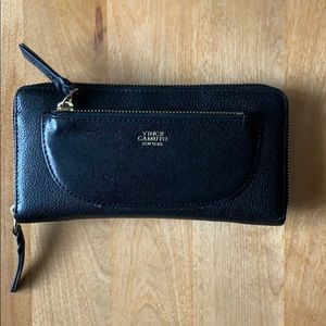 Vince Camuto Black Gold Leather Zippered Wallet